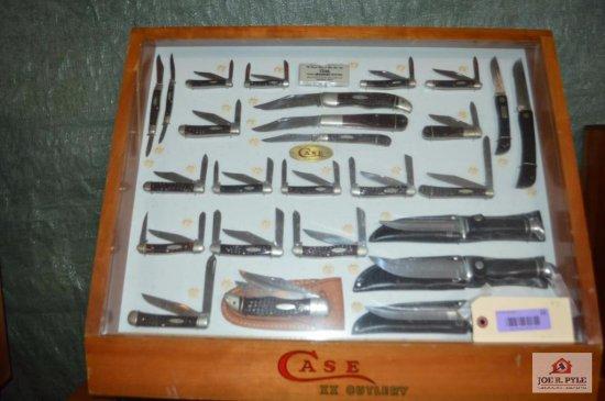 Case slant front counter top 24x20 w/ 27 pieces