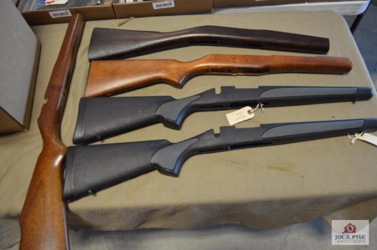 2 Remington 700 synthetic stocks, wooden mauser stock, 2