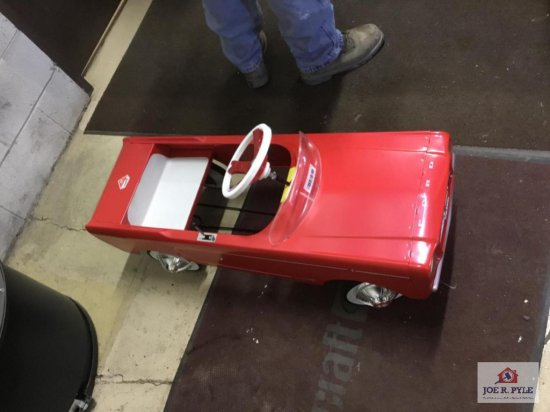 """Ford Mustang Pedal Car """"Red"""""""