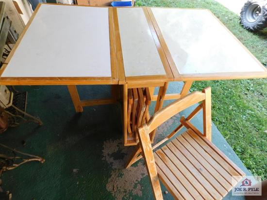 Drop Leaf Dining Table 4 Folding Chairs In Side Compartment