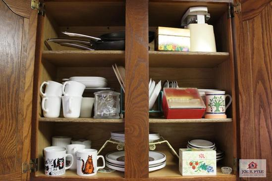 Contents of top kitchen cabinets