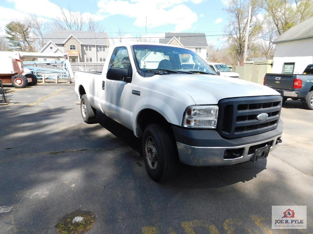 2006 Ford F-250 XLS Super Duty Gasoline 174,988 Miles