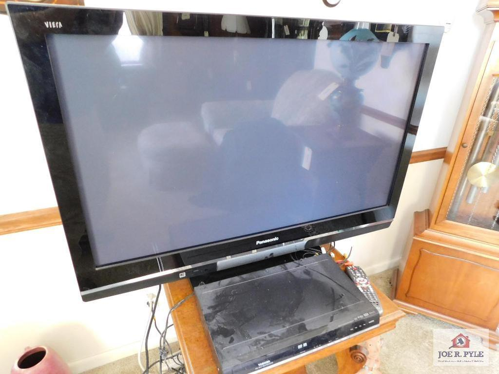"Panasonic TV 42"" w/ DVD player"