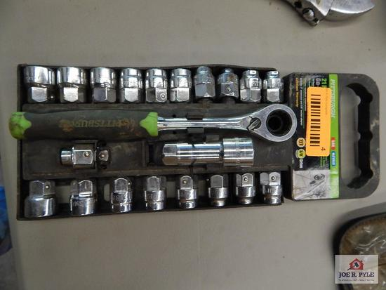 21 piece metric and standard socket set