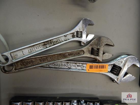 3 adjustable wrenches