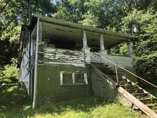 Project Home on 2 Acres - Elkview, WV