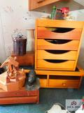 Wood items: bowls, jewelry box and decorative items