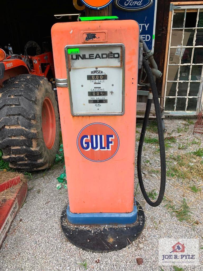Gulf Gas Pump (Bowser)