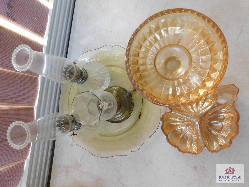 Small oil lamps, carnival glass pieces