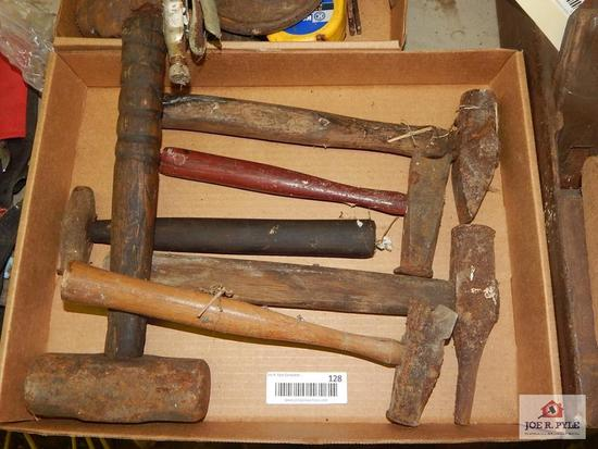 1 lot of shaping hammers