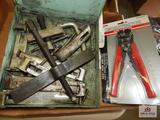 1 lot of wire strippers and pullers