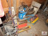 1 Lot of electric grinder, Hammers, Wooden Step Ladder, lights, pipe vice, etc.