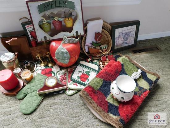 Apple group: cookie jar, decorative items & rugs