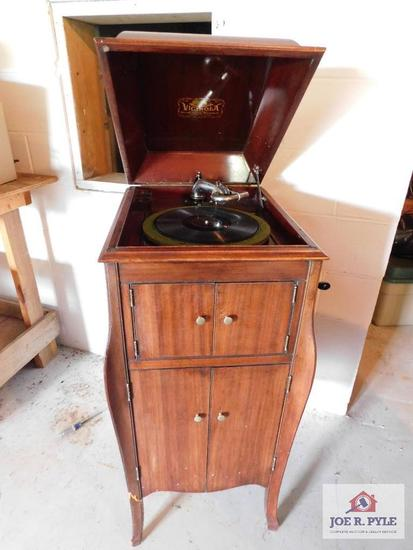 Antique mahogany Victrola (records not included)