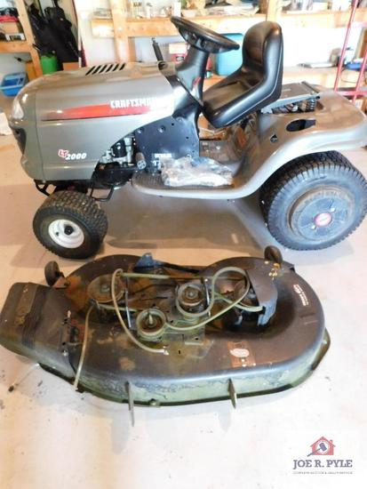CraftsmanLT2000 lawn tractor (repairs needed)
