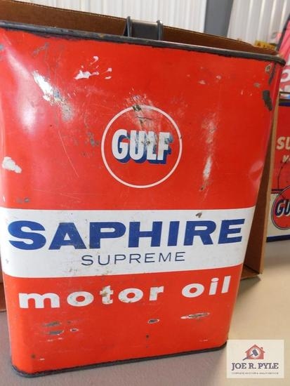 Sapphire motor oil can