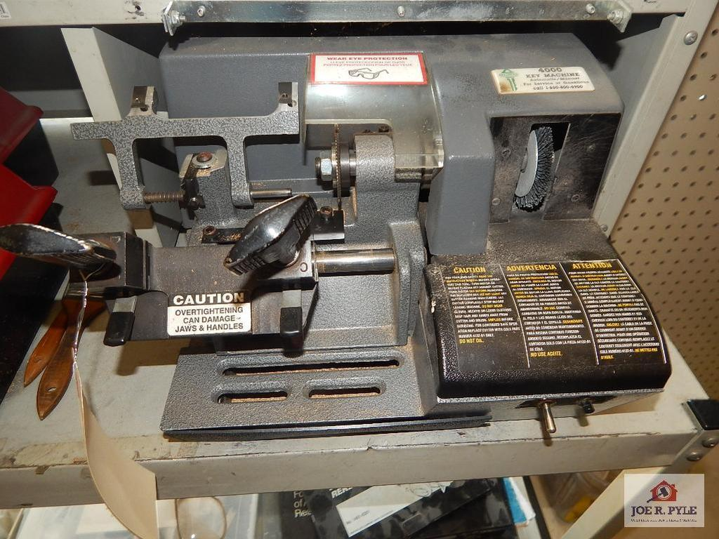 Online Only  Hardware Store Liquidation Auction