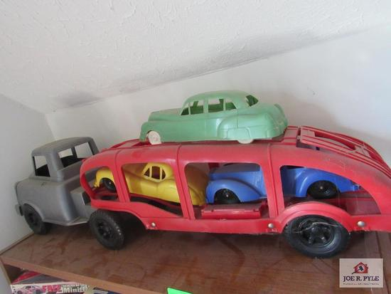 Vintage Car Carrier (All Plastic)