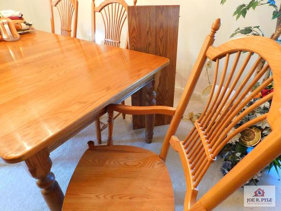 "Penn House Oak table w/ 6 chairs & 2 leaves 76"" w/one leaf +15"" leaf"