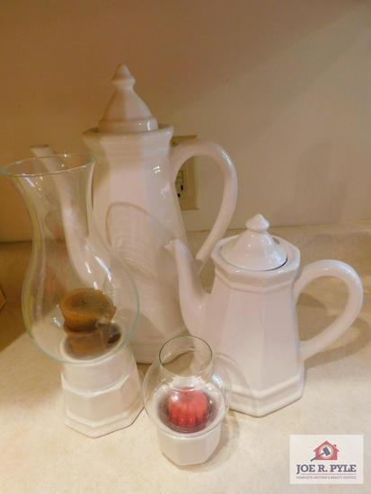 Collection of stoneware, coffee pots