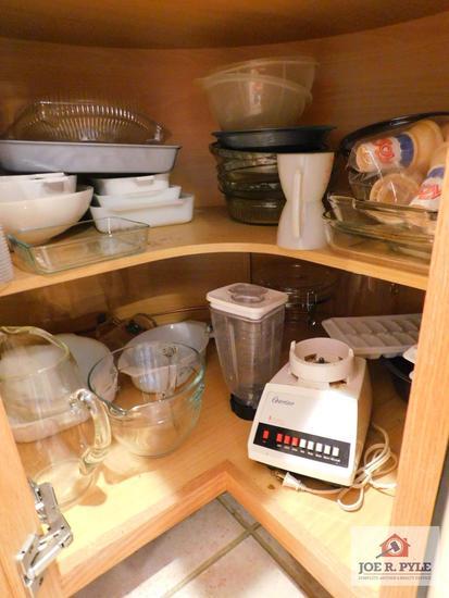 Baking items, blender, glass measuring cups