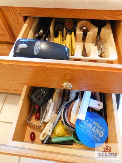 Flatware & kitchen items