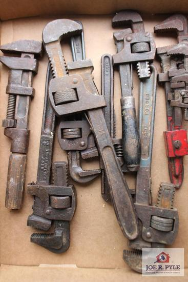 1 Lot of pipe wrenches