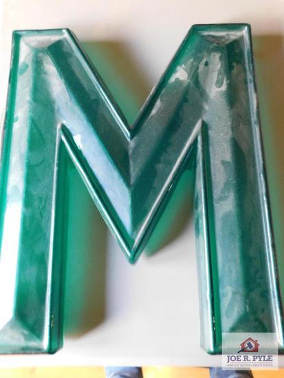 Plastic M