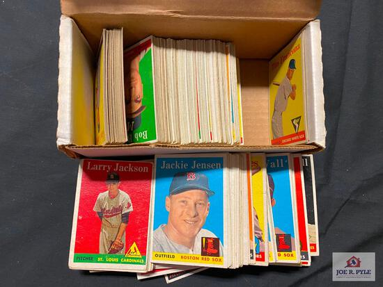 Lot of 200 assorted 1958 Topps BB: minor stars, senators, team cards, no disenable yellow letter