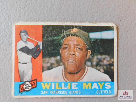 70 assorted 1960 Topps with some stars and high numbers: Mays, Yanks team, McCovey, A.S. Wynn, F