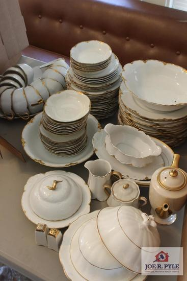 84 pieces of Antique Warwick china