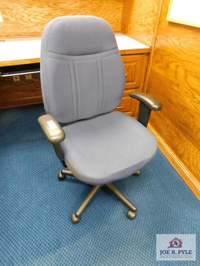 1 office chair blue cloth with rollers
