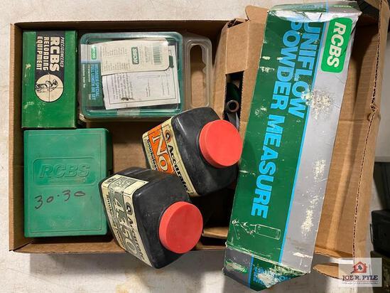 [SKU: 102000] lot of smokeless powder, RCBS dies and a Uniflow powder measure