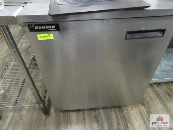 Zero Zone 4 door cooler, 208 volt (this item cannot be shipped and buyer must bring people to load)