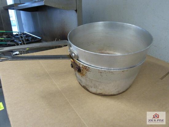 2 10 inch pans