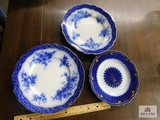 Small floe blue small plates and saucer
