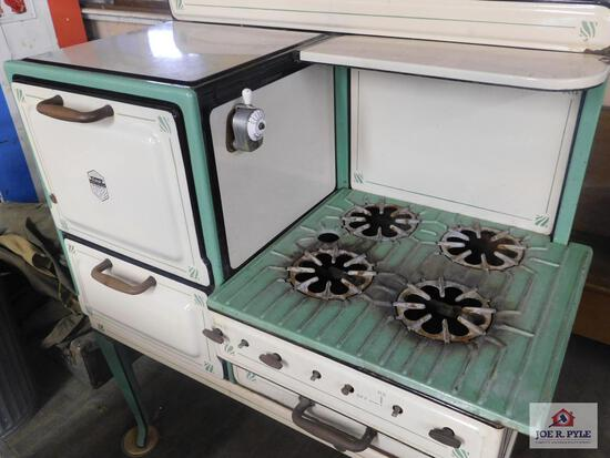 Antique, estate ,fresh air , gas stove