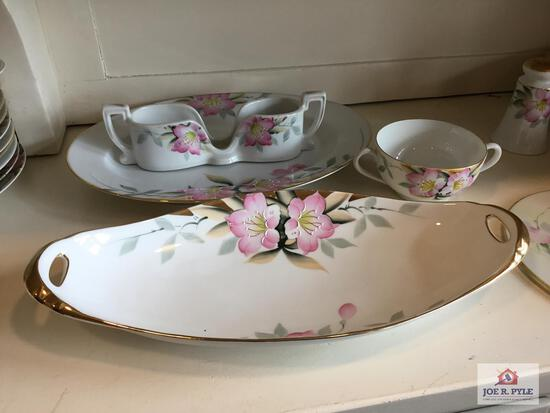 Noritake Azalea: serving dish, flatware holder, serving plate, double handle cup