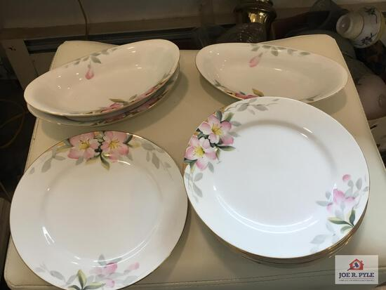 Noritake Azalea: 9 plates and 3 serving bowls