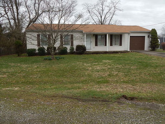 Well-Maintained 3-Bedroom on a Level Lot