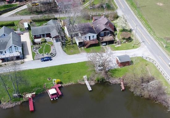 Lakefront Home on Lake Guilford - Lisbon, Ohio