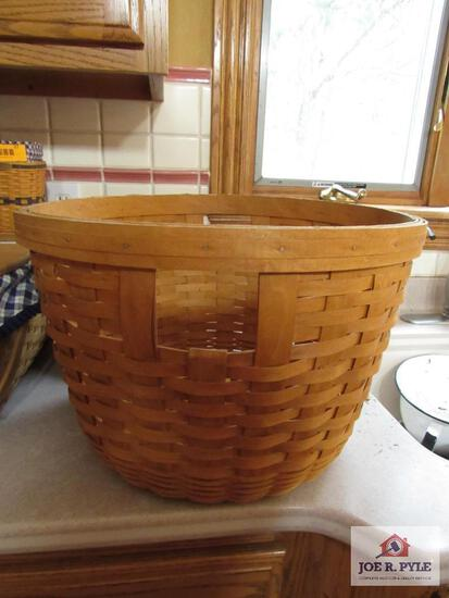 Longaberger Basket Corn Basket #14401 1994