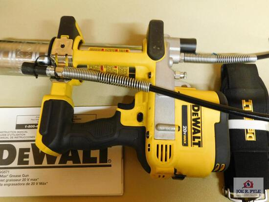 DeWalt 20V Max grease gun w/ strap