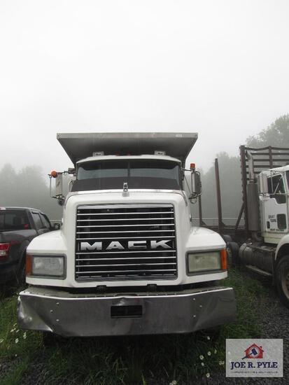 2001 Mack 6 Axle Dump Truck Model CL700
