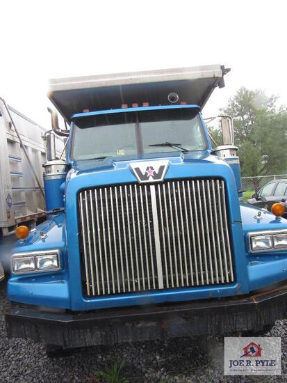 2004 Western Star Tri Axle Dump Truck With Aluminum Bed