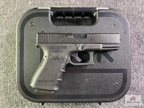 {14} Glock Model 23 .40 S&W |SN: MEB699