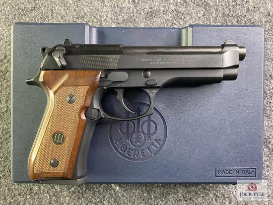 {5} Beretta Model 92F 9mm |SN: C66991Z
