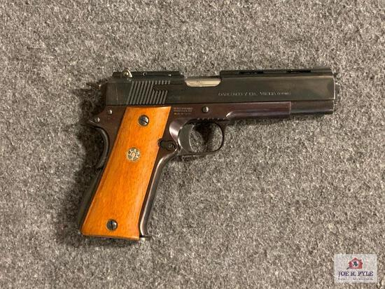 {24} Llama Model 1911 9mm SN: 951189