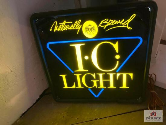 Vintage lighted I.C. Light bar sign