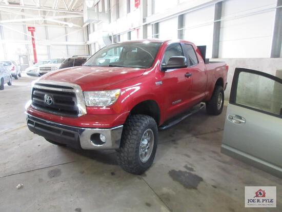 2012 Toyota Tundra, VIN # 5TFUY5F10CX218801